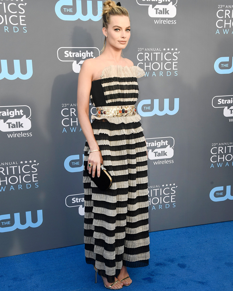 ESC: Margot Robbie, Critics' Choice Awards