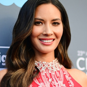 ESC: Critics Choice Beauty Tips, Olivia Munn