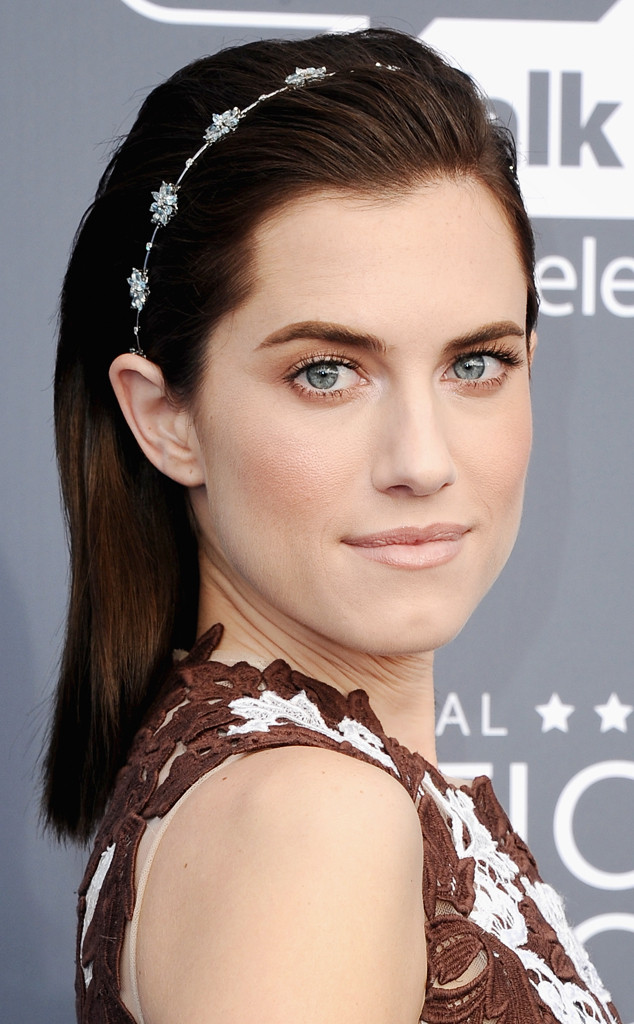 Allison Williams Thong 19 red carpet hairstyles you can recreate for new year's eve