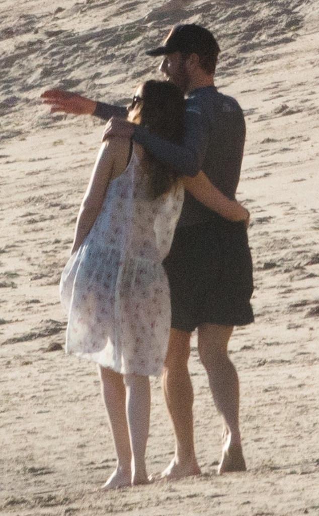 Chris martin et dakota johnson amoureux sur la plage e - Sublime maison blanche de la plage en californie ...