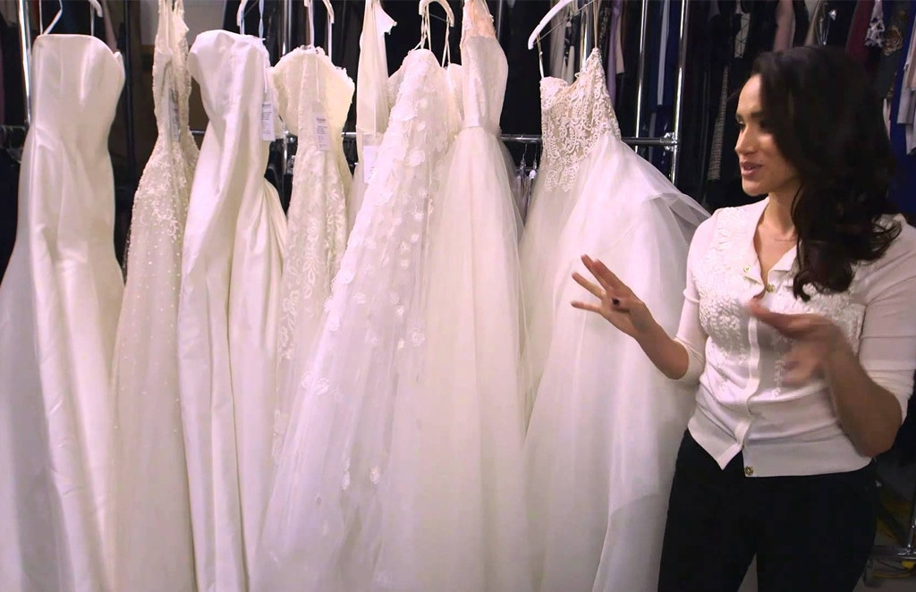 Inside The Battle To Dress Meghan Markle For Her Wedding Day E Online Ca