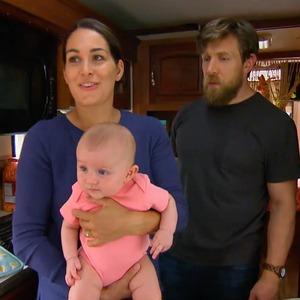 Brie Bella, Daniel Bryan, Total Bellas 711