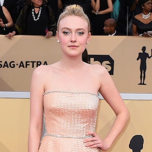 Dakota Fanning, 2018 SAG Awards, Red Carpet Fashions
