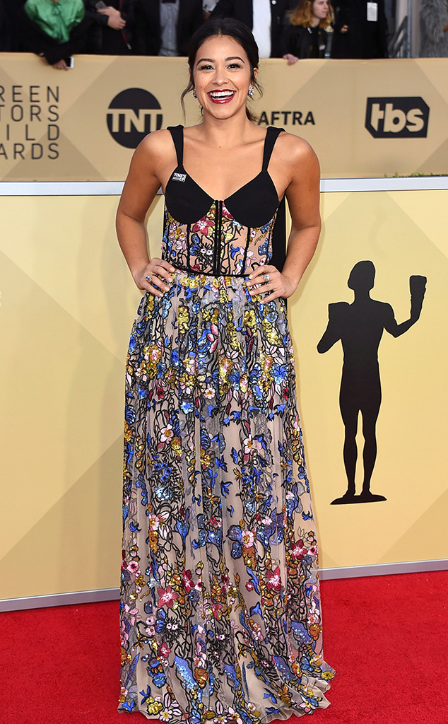 Gina Rodriguez, 2018 SAG Awards, Red Carpet Fashions