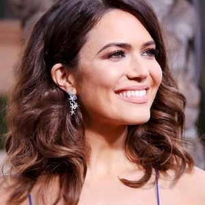 ESC: Mandy Moore, SAG Awards Beauty