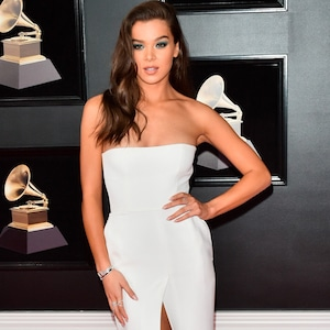 Hailee Steinfeld, 2018 Grammy Awards, Red Carpet Fashions