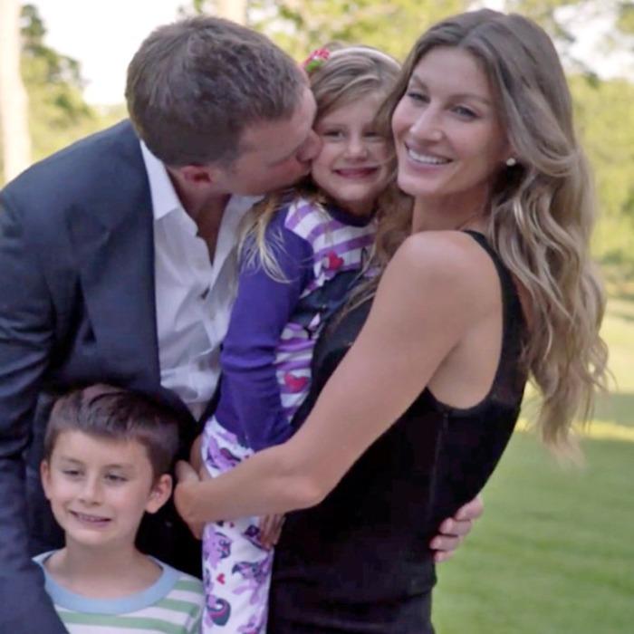 Bradys Room One Family Navigates >> Tom Brady The Father Vs The Football Star How His Devotion On The