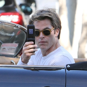 Chris Pine, Phone