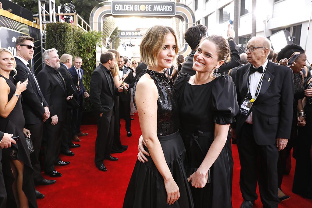 Sarah Paulson, Amanda Peet, 2018 Golden Globes