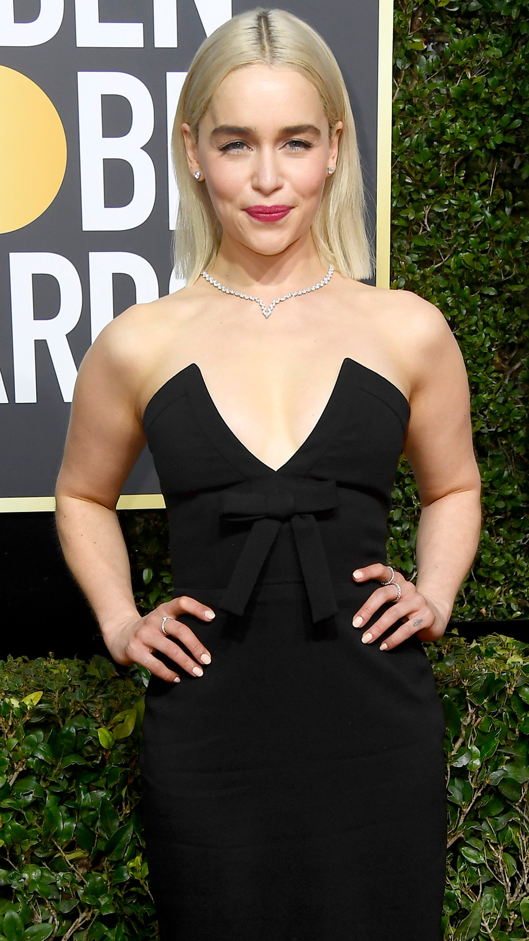 Emilia Clarke, 2018 Golden Globes, Red Carpet Fashions
