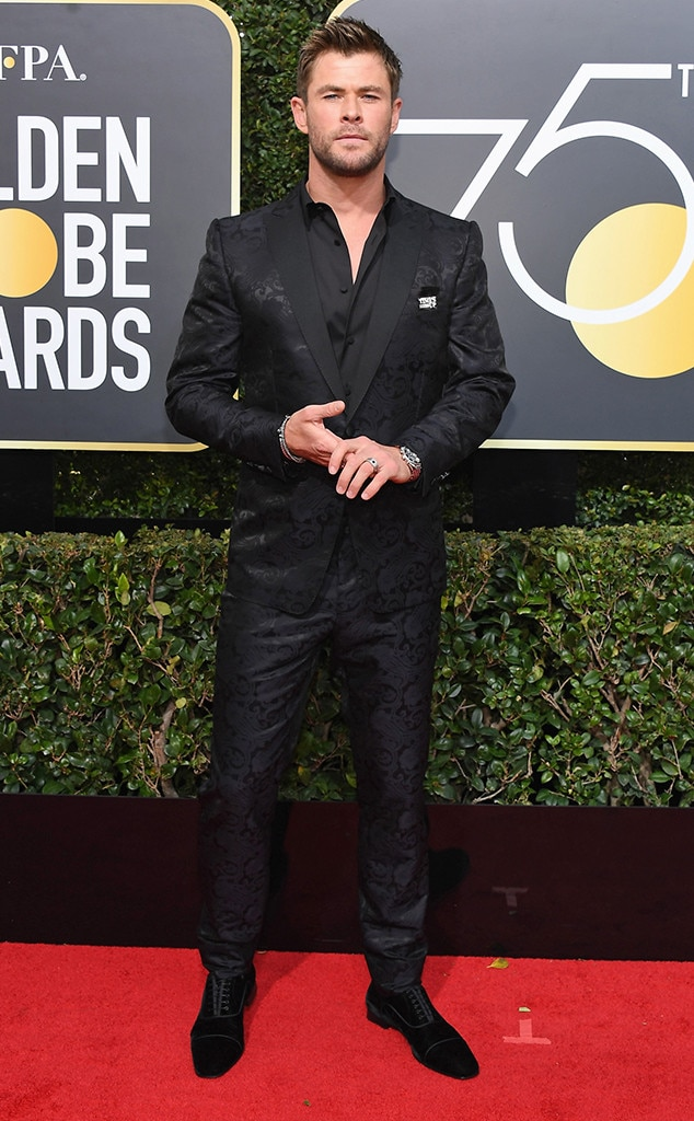 Chris Hemsworth From 2018 Golden Globes Red Carpet Fashion