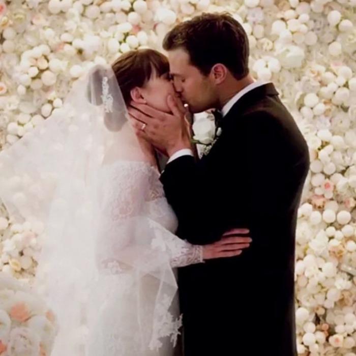 How Does Dakota Johnson S Fifty Shades Wedding Dress Rank E News