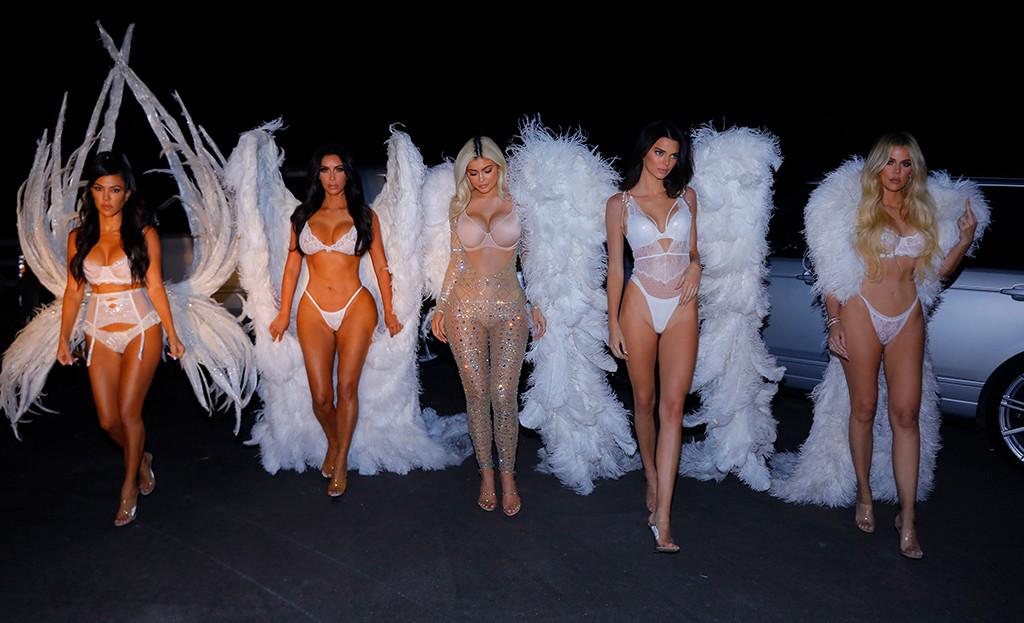 Kourtney Kardashian, Kim Kardashian, Kylie Jenner, Kendall Jenner, Khloe Kardashian, Halloween, Victorias Sectret Models