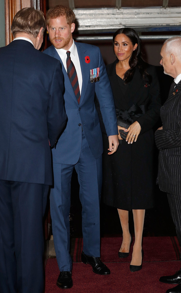meghan markle and prince harry reunite with kate middleton and prince william amid royal split. Black Bedroom Furniture Sets. Home Design Ideas