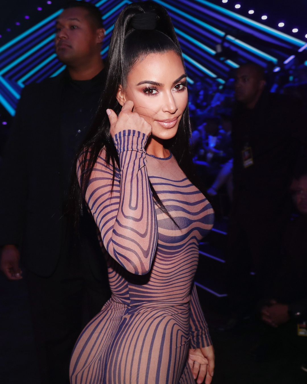 ESC: Kim Kardashian, 2018 E! People's Choice Awards, Beauty
