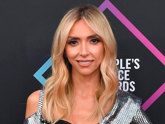 See Giuliana Rancic Go Full &quot;Fan Girl&quot; After Getting a Surprise Visit From New Kids on the Block on <i>E! News</i>