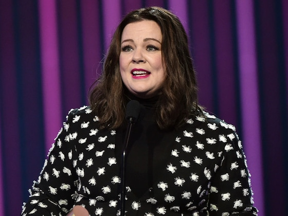 Melissa McCarthy Proves She's Truly a People's Icon Onstage at E! People's Choice Awards