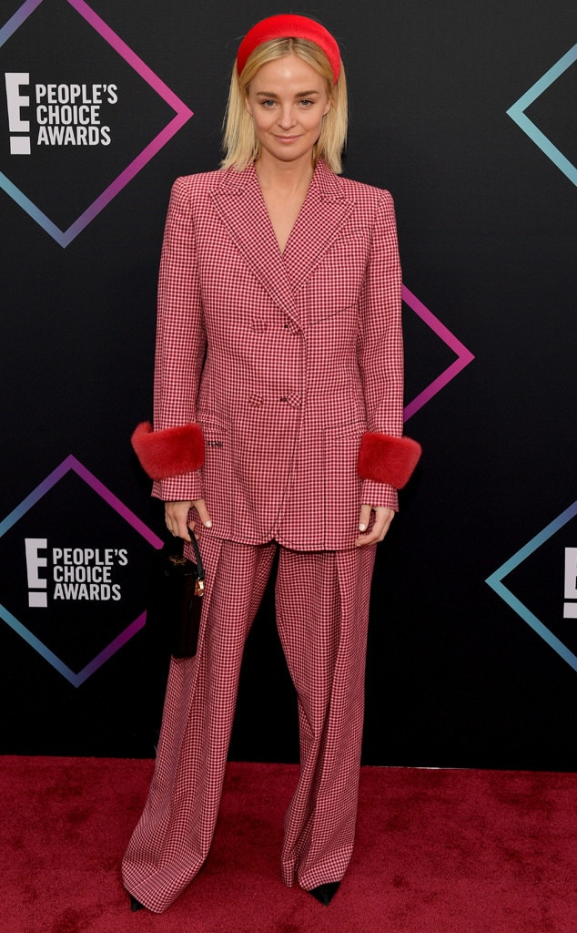 Nadia Fairfax, 2018 Peoples Choice Awards, PCAs, Red Carpet Fashions