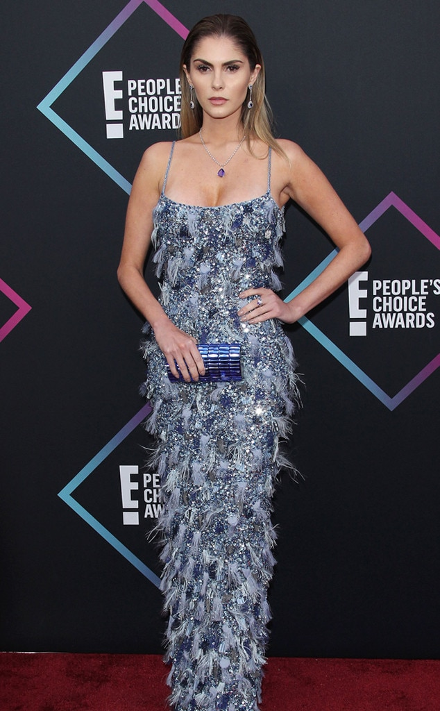 Barbara Evans, 2018 Peoples Choice Awards, PCAs, Red Carpet Fashions
