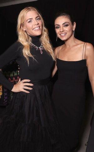 Busy Philipps, Mila Kunis, 2018 Peoples Choice Awards, PCAs, backstage