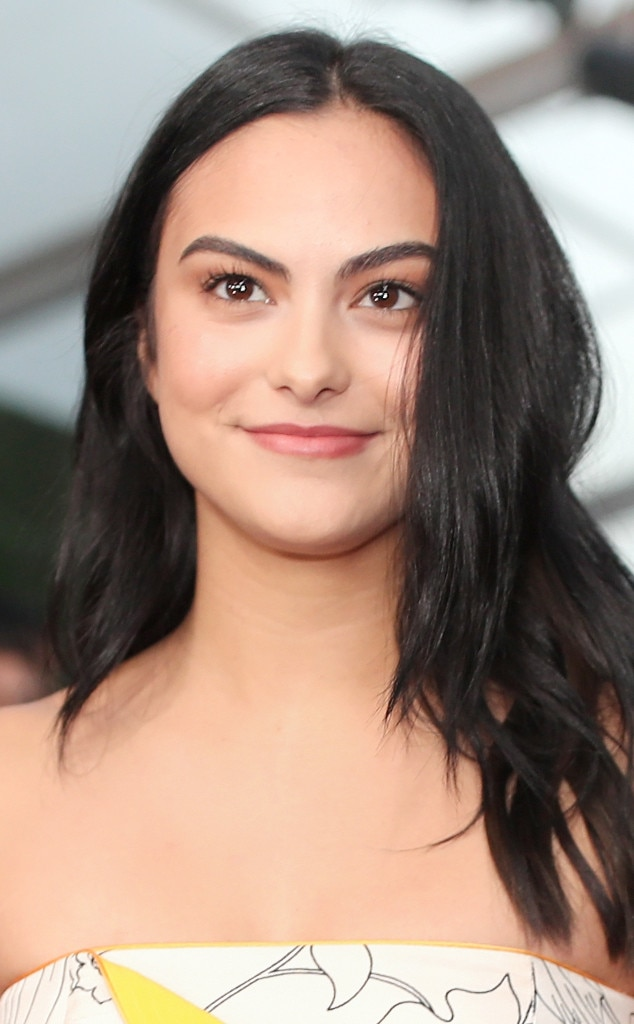 ESC: Camila Mendes, 2018 E! Peoples Choice Awards, Red Carpet Beauty