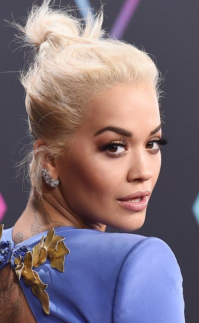 ESC: Rita Ora, 2018 E! People's Choice Awards Beauty