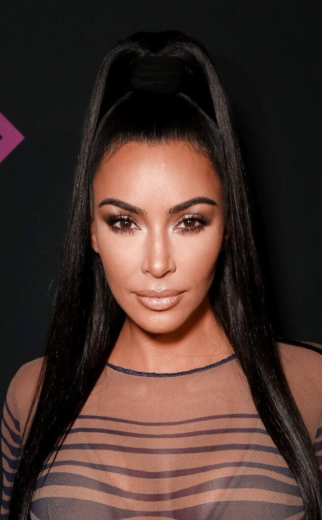 ESC: Kim Kardashian, 2018 E! People's Choice Awards, Beauty