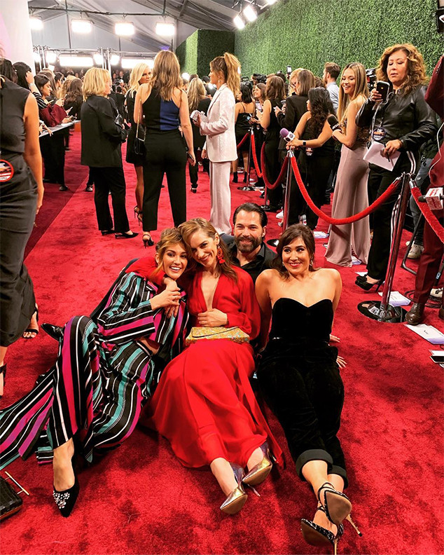 Wynonna Earp, Melanie Scrofano, Tim Rozon, Katherine Barrell, Emily Andras, Red Carpet, People's Choice Awards, Instagram