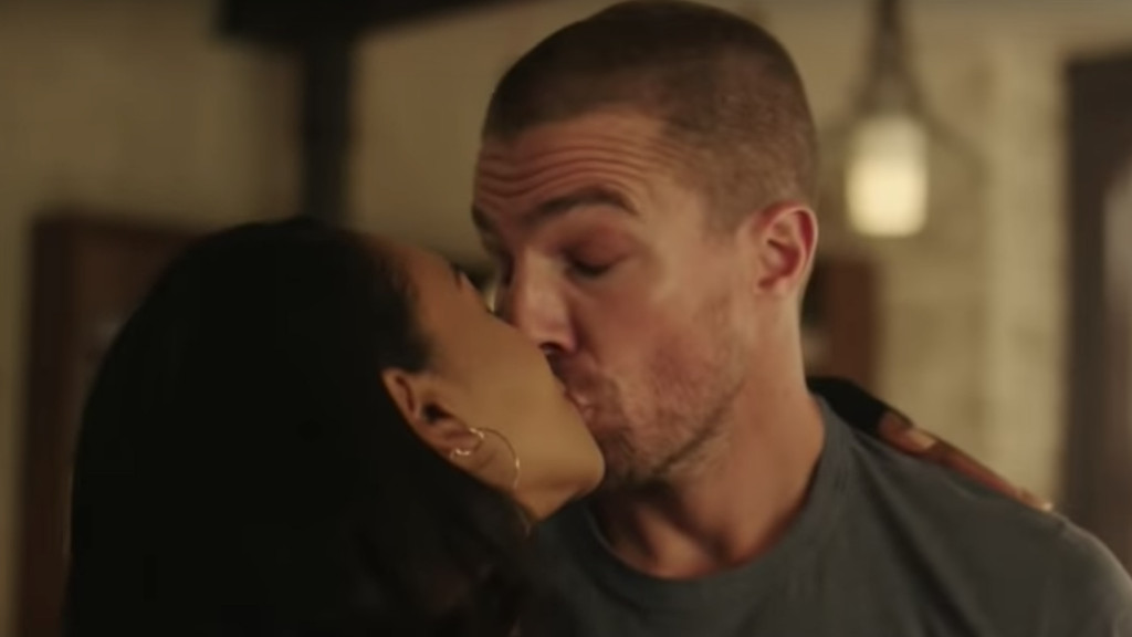 Arrow, Elsewhere, Stephen Amell, Candice Patton