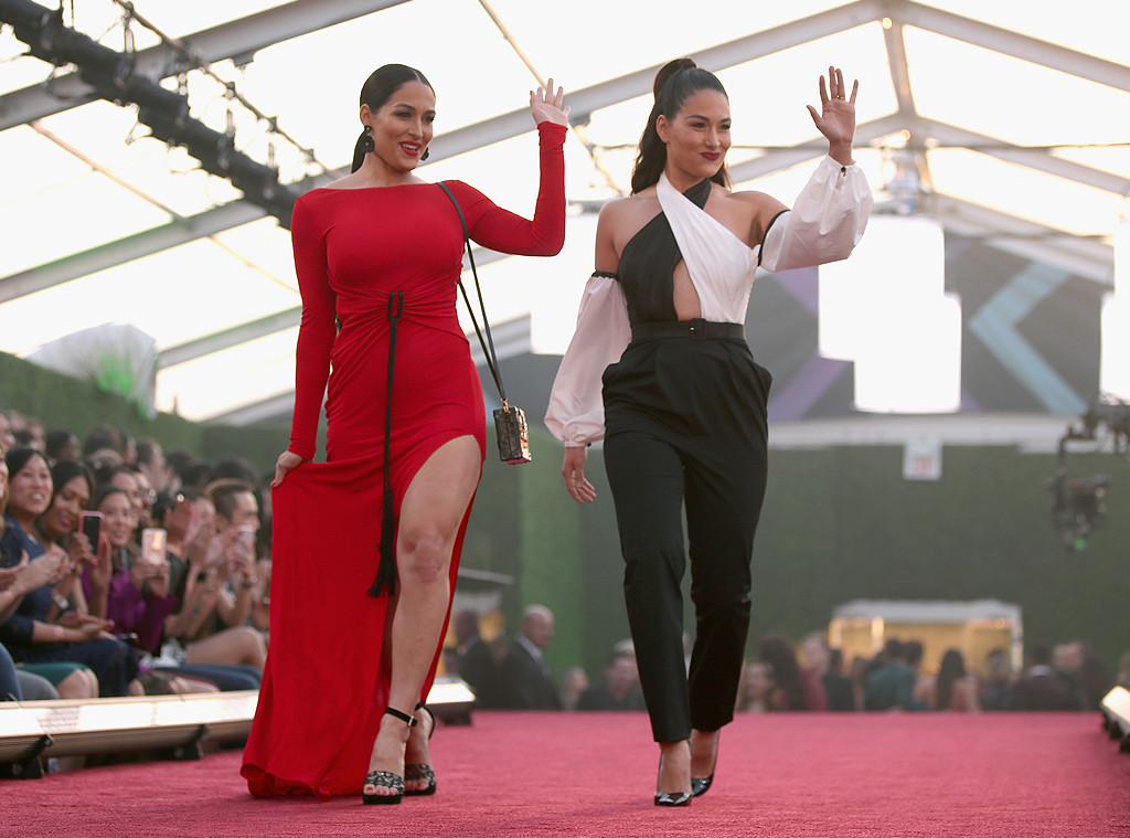 Nikki Bella, Brie Bella, 2018 Peoples Choice Awards, PCAs, Candids