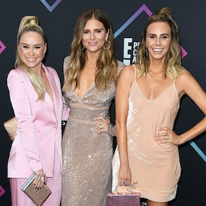 Becca Tobin, Jac Vanek, Keltie Knight, Ladygang, 2018 Peoples Choice Awards, PCAs, Red Carpet Fashions