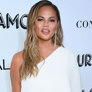 Chrissy Teigen, Glamour Awards