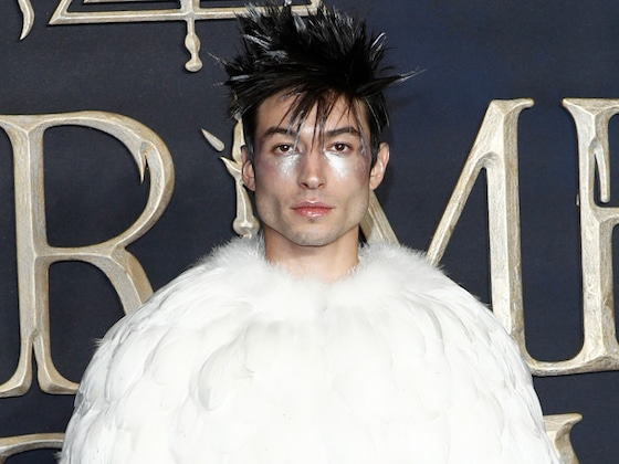 Ezra Miller Writes a Deadly Spell on His Hands at the <i>Fantastic Beasts</i> Premiere