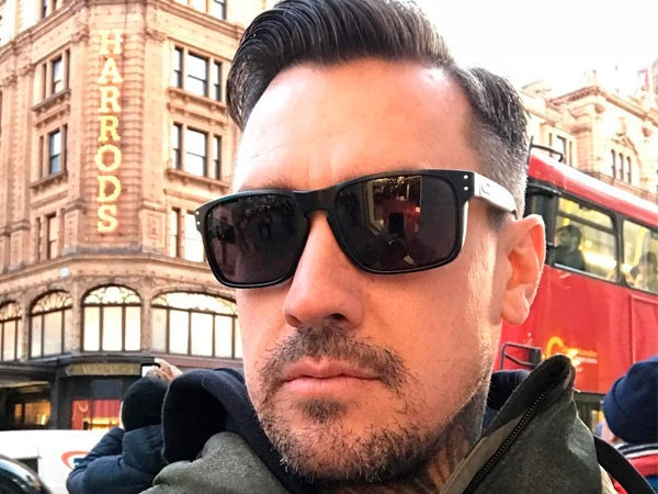 Carey Hart Threatens Looters After California Wildfires With Controversial Photo