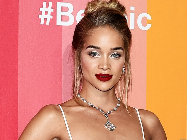 Sports Illustrated Swimsuit Rookie Jasmine Sanders Reveals Her Diet and Fitness Routine