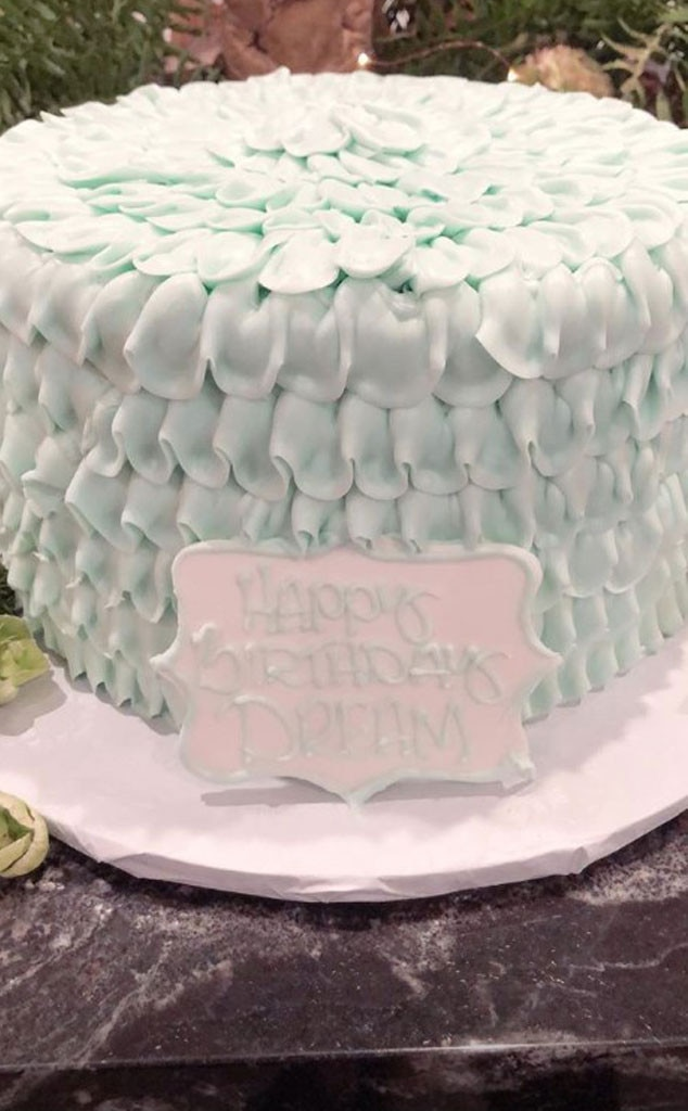 Surprising Let Them Eat Cake From Dream Kardashians 2Nd Birthday Party E News Personalised Birthday Cards Cominlily Jamesorg
