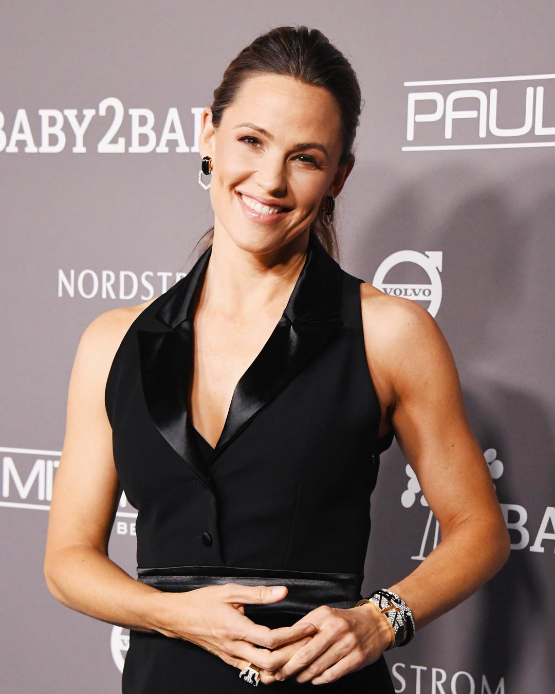 Jennifer Garner Stuns for Mom's Night Out and More Best Dressed Stars