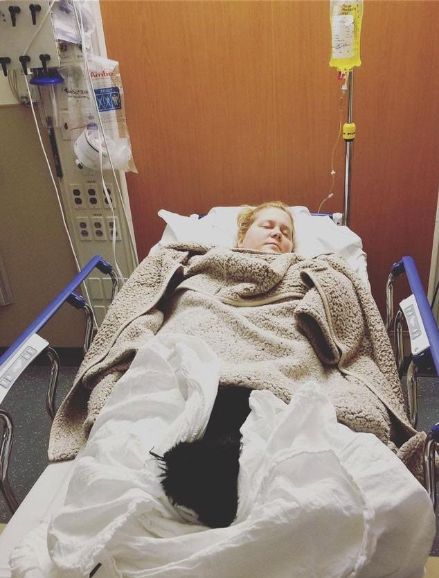 Amy Schumer, Hospital