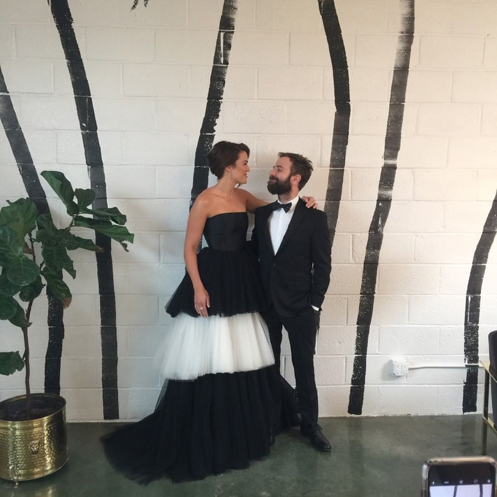 Look! Mandy Moore weds Dawes frontman Taylor Goldsmith