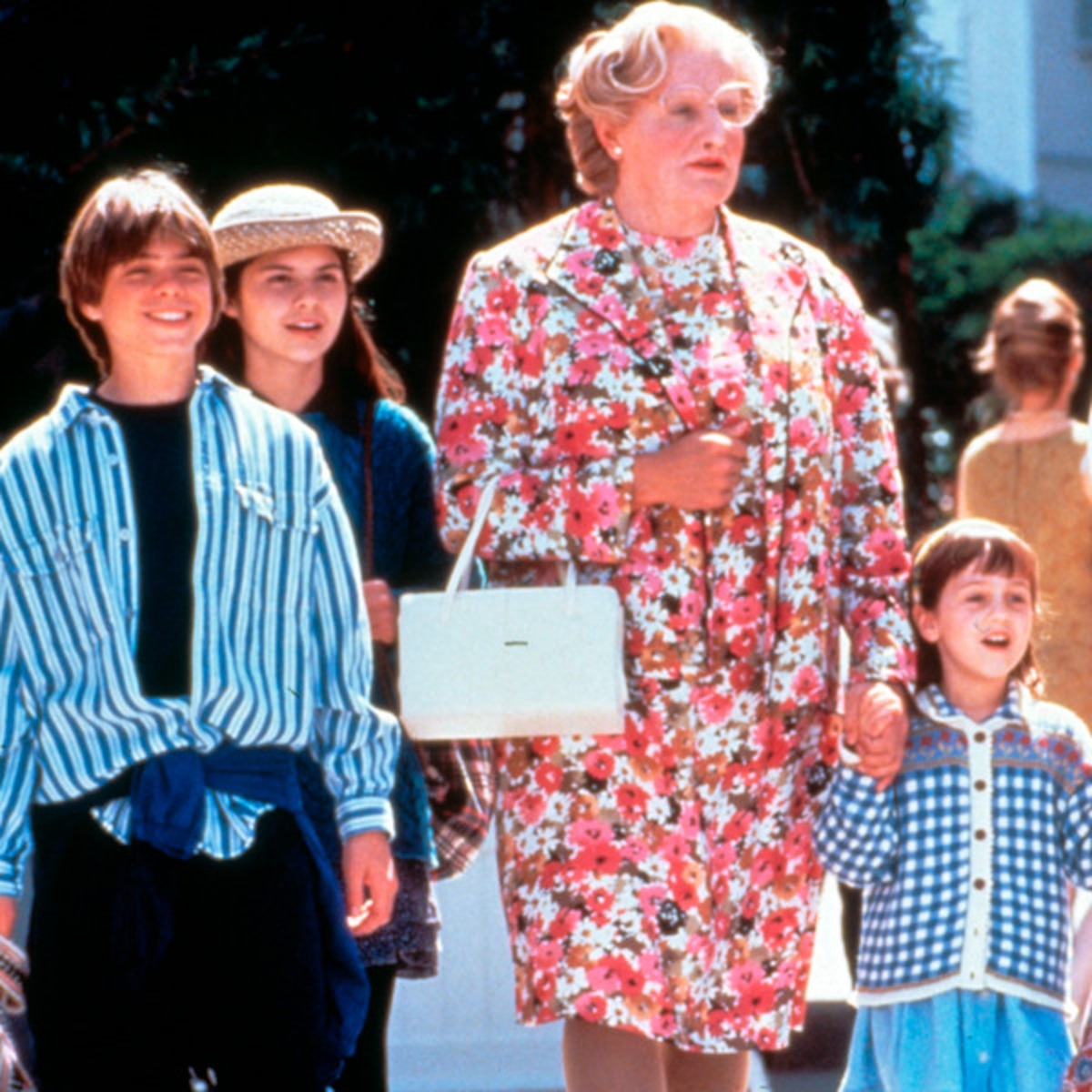 Why Mrs. Doubtfire Holds Up After 25 Years - E! Online
