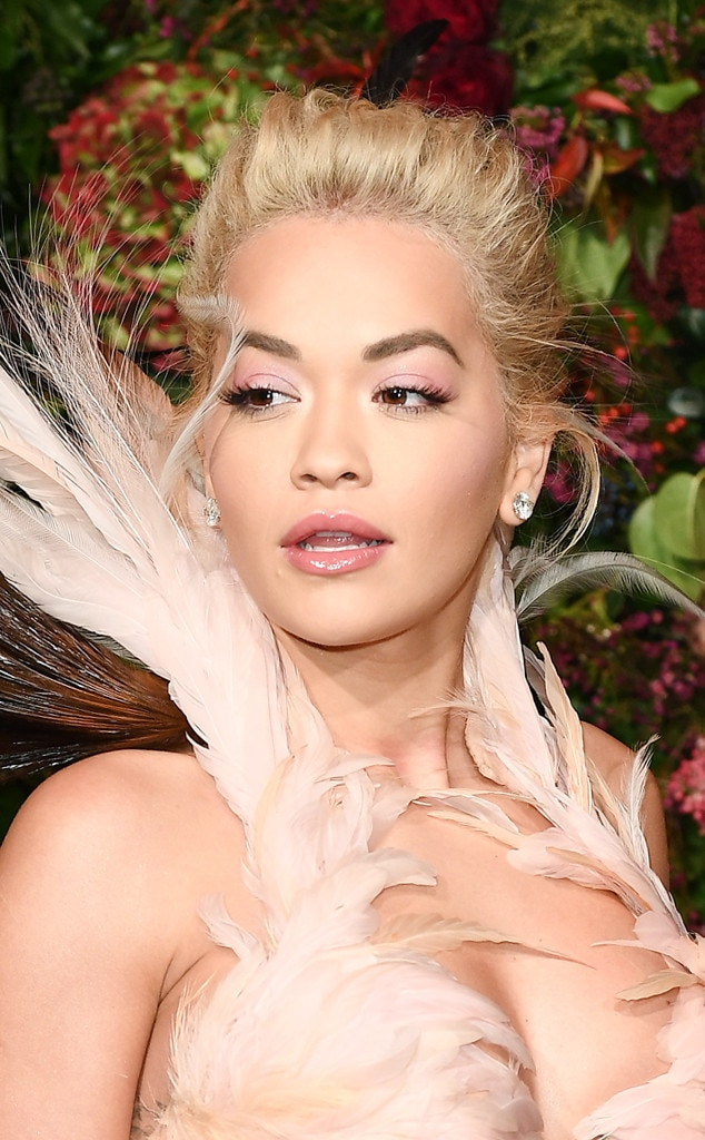 ESC: Red Carpte Beauty, Rita Ora