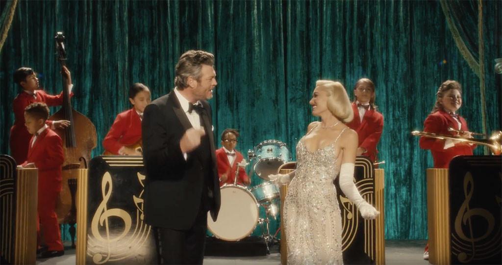 Gwen Stefani, Blake Shelton, You Make It Feel Like Christmas, Music Video