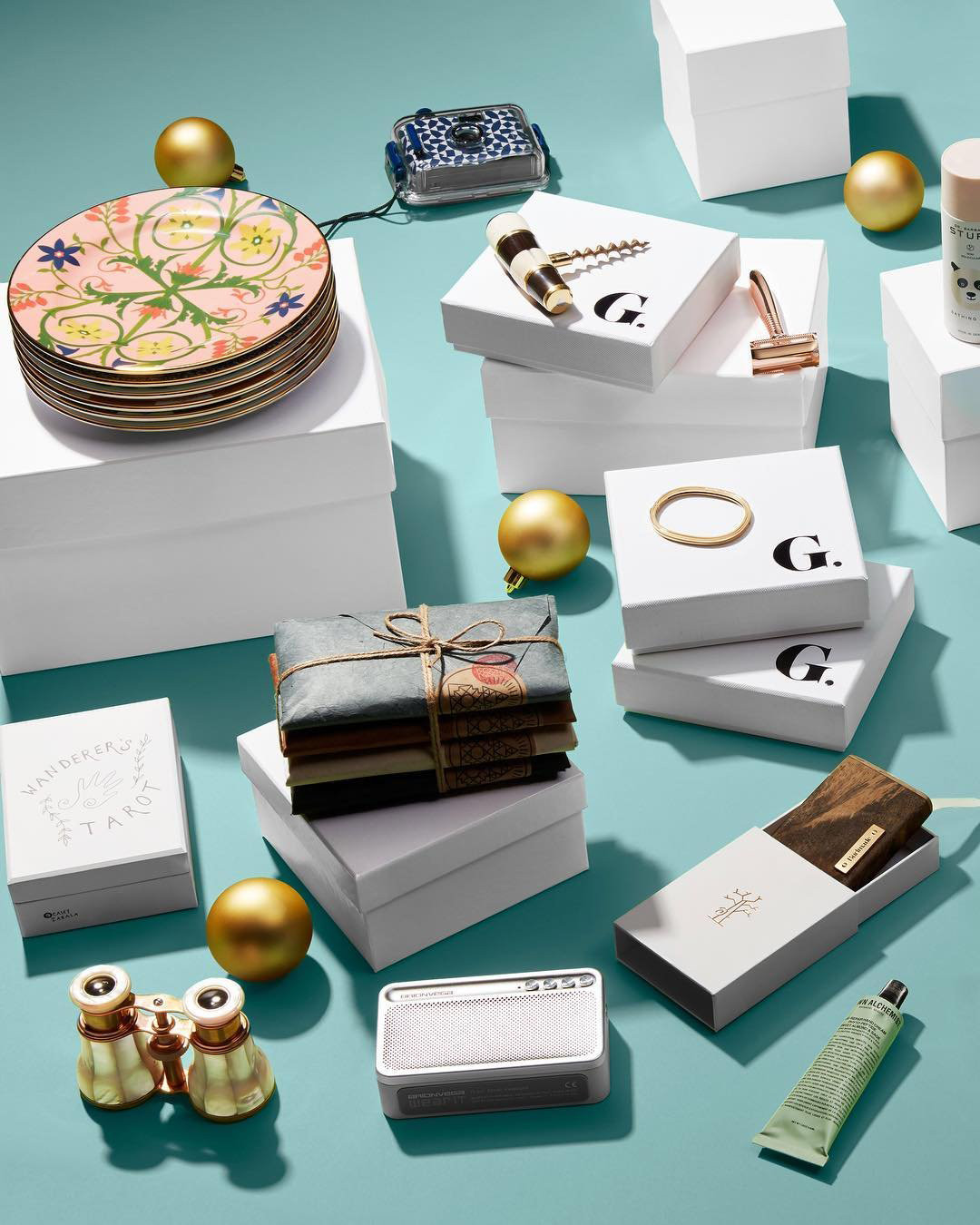 Moke + Goop Christmas Gifts + 2020 Goop's $650,000 Holiday Gift Guides Are the Definition of Extra