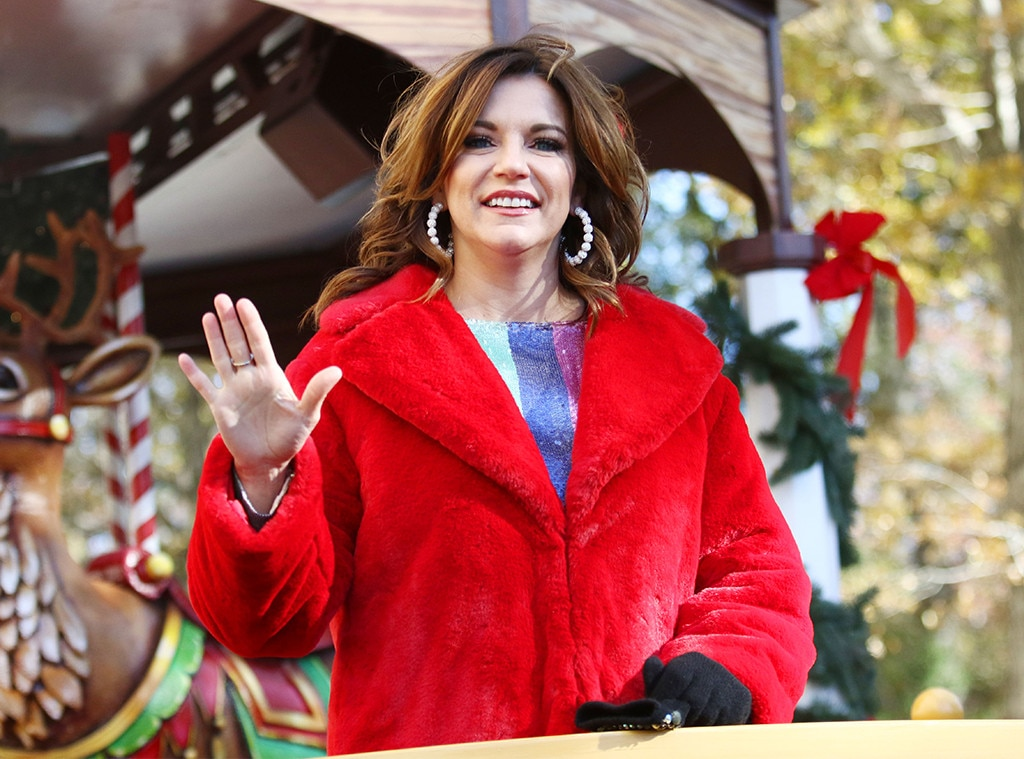 """Martina McBride -  """"It's the Most Wonderful Time of the Year,"""" indeed!"""
