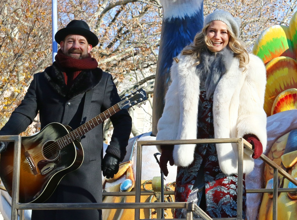 """Sugarland -  The country duo belts out """"Babe."""""""