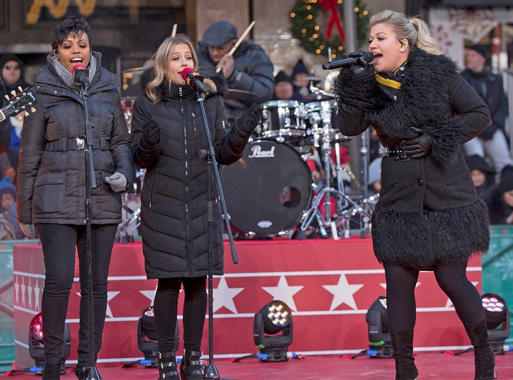 Kelly Clarkson, 2018 Macy's Thanksgiving Day Parade