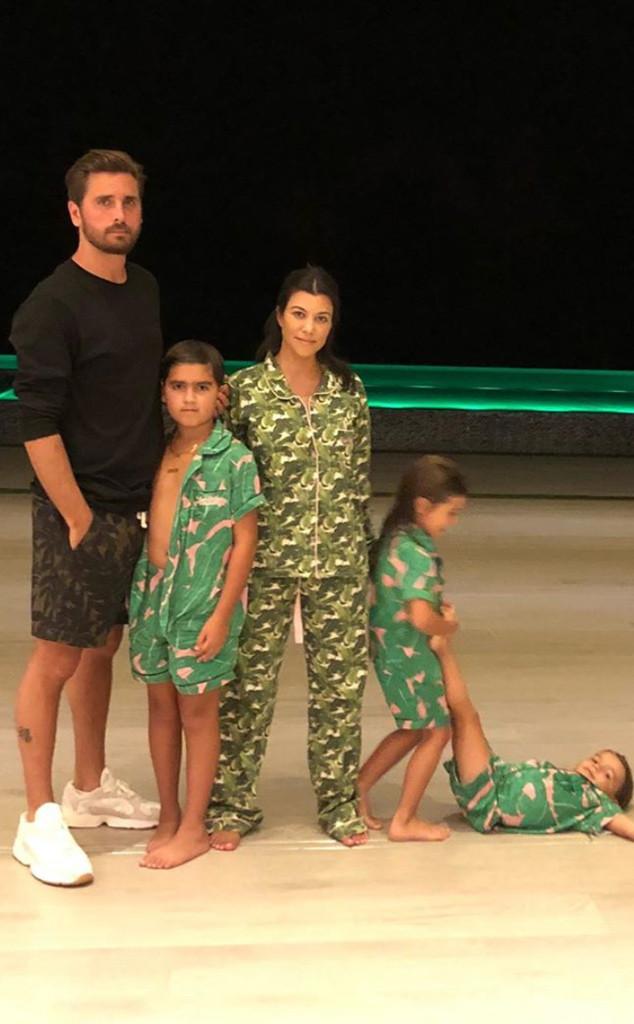 Kardashian Thanksgiving Recipes And Decorating Tips: Kourtney Kardashian Proves Co-Parenting With Scott Disick