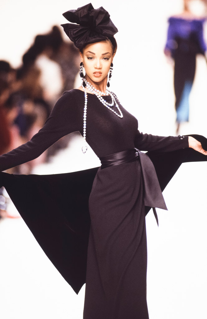 Tyra Banks, 1992 Paris Fashion Week