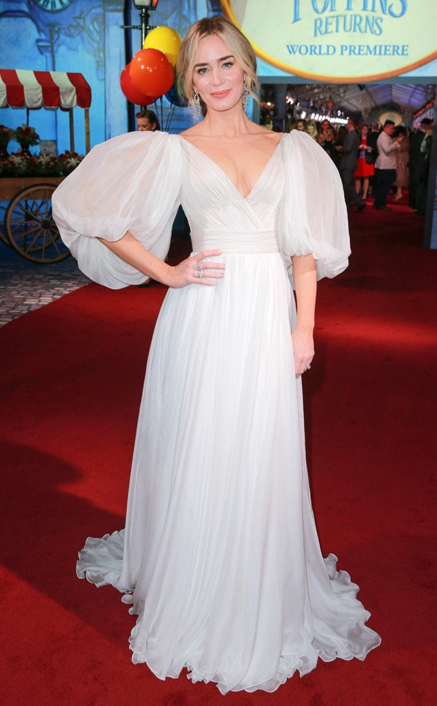 Emily Blunt -  At the premiere of  Mary Poppins Returns , the actresschooses a white gown with puff sleeves for a sweet and ethereal look.