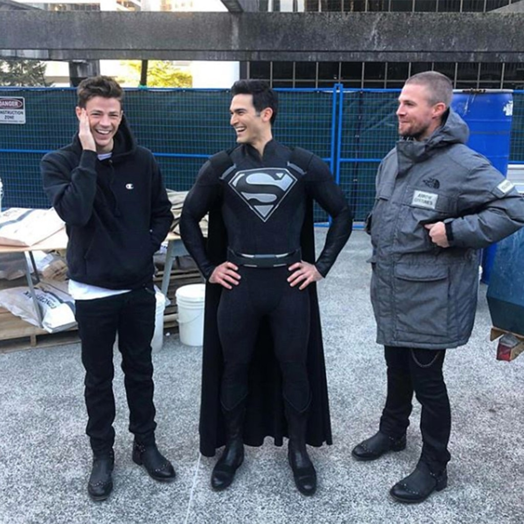 Back in Black -  Superman is here, but something looks...different. Hoechlin appears to be wearing the iconic black suit that Superman donned after he was resurrected in the comics.